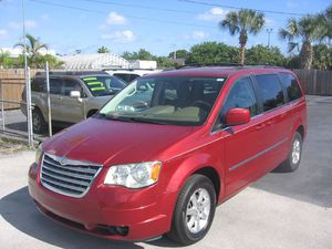 2009 Chrysler Town & Country for Sale in Pompano Beach, FL