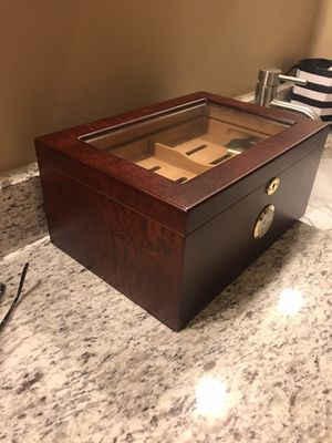 Large humidor with key 🔑 for Sale in Brandon, FL