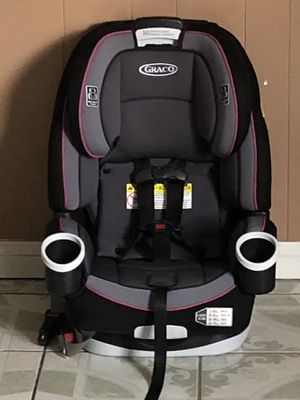 LIKE BRAND NEW GRACO 4EVER CONVERTIBLE CAR SEAT 4 in 1 for Sale in Riverside, CA