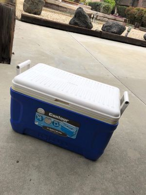 49 liter cooler for Sale in Marina del Rey, CA