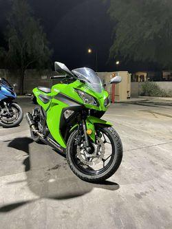 2015 Kawasaki Ninja 300 for Sale in Phoenix, AZ