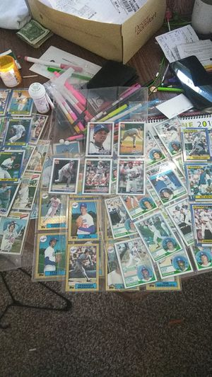 All old top's dodgers baseball cards.. from the 79 80..some older.. for Sale in Strongsville, OH