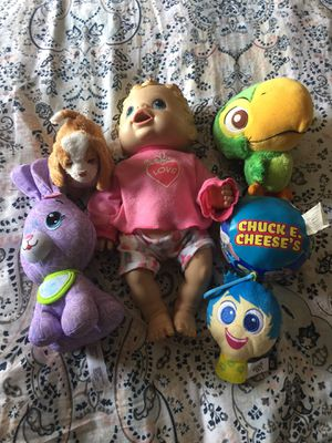 6 doll bundle for Sale in Albuquerque, NM