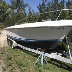 1976 Mako 26ft center console twin inboard engine potential . for Sale in Fort Lauderdale, FL