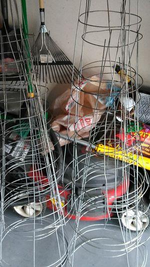 Tamato cages for Sale in Hesperia, CA