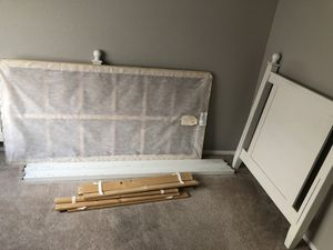 Twin bed and desk for Sale in Snowflake, AZ