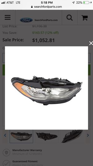 Ford Fusion headlight for Sale in Hialeah, FL