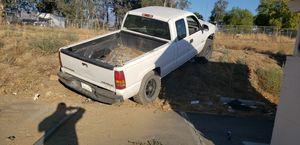 2001 Chevy Silverado 1500 5.7 for Sale in Hemet, CA