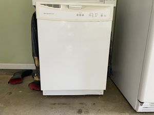 All four for $400. In good condition. All Whirlpool except dishwasher is Frigidaire. for Sale in Loganville, GA