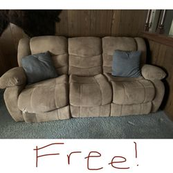 Free Reclining Sofa for Sale in Escondido,  CA