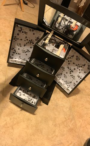 Jewelry box with mirror for Sale in Mesa, AZ