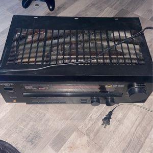 Kenwood VR-605 audio surround receiver for Sale in Virginia Beach, VA