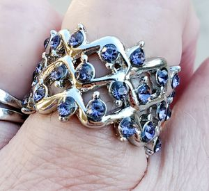 Genuine tanzanite ring.... size 7 for Sale in Riverside, CA