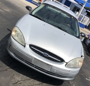 Ford Taurus 03 for Sale in Houston, TX