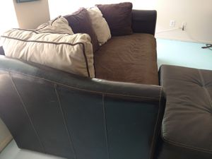 Couch for Sale in Dunedin, FL