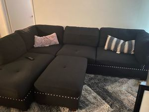 Black sectional with Ottoman for Sale in Tamarac, FL