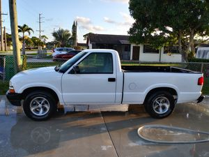 Chevy s10 for Sale in Carol City, FL
