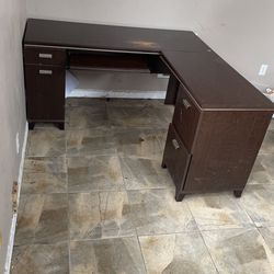 Corner Desk for Sale in Redmond,  WA