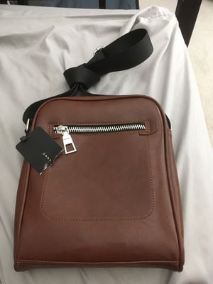 Zara Men's messenger and shoulder bag - leather for Sale in El Cajon, CA