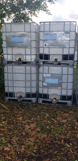 275 GALLON WATER TANK (SPECIAL) for Sale in Miami, FL