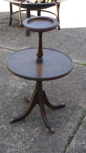 Antique Ferguson Bros Wooden 2 Tier Mahogany Ash Tray/Smoking Table for Sale in Chicago, IL