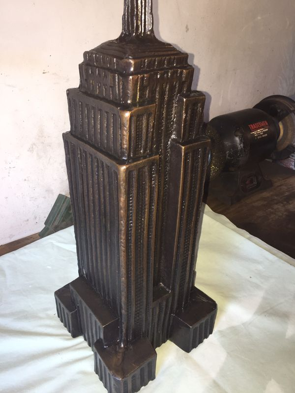 """22"""" tall Empire State statue"""