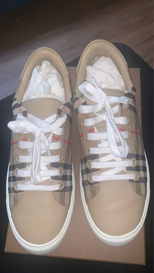 Burberry Shoes (Size 38) UK (5) for Sale in Washington, DC