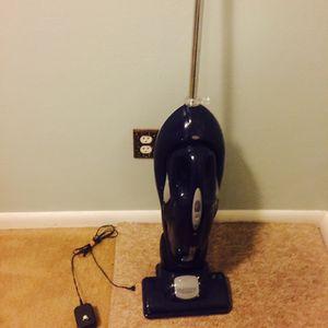 Oreck 2 in 1 vacuum for Sale in Hampton, VA