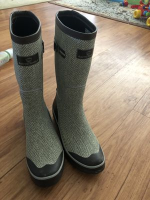 Women's rain and winter boots for Sale in Tacoma, WA