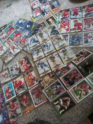 Baseball ,football and Hockey cards Bundle 144 cards vintage for Sale in Detroit, MI