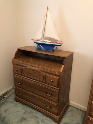 Infant changing table/dresser/desk - Childcraft Solid oak wood see pictures for Sale in Mohnton, PA
