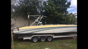 BOAT 32FT SCORPION CENTER CONSOLE HULL for Sale in Hollywood, FL