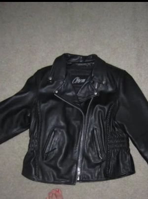 Leather women's motorcycle jacket from Chrome gear. Insulated lining for Sale in Pflugerville, TX