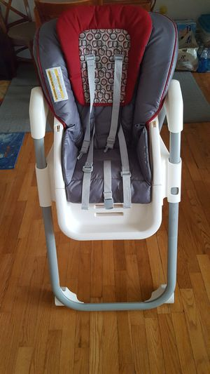 Kids high chair graco for Sale in Piscataway, NJ
