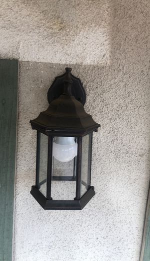 Out side lamp for Sale in Fontana, CA
