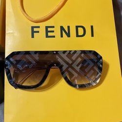 Fendi Sun Glasses for Sale in Long Beach,  CA