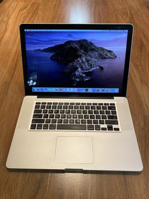 Macbook Pro Quad core i7 OS Catalina 10.15.6 (15 inch-Early 2011) 8GB Ram 500GB Hard Drive 15.4 inch HD Screen Laptop with charger in Excellent Worki for Sale in Aurora, IL