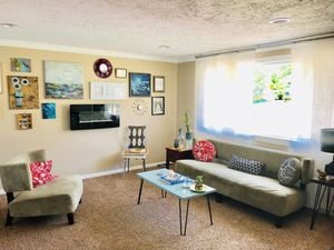 Living room set and coffee table for Sale in Salt Lake City, UT