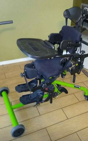 Bantam stand up kids lift chair for Sale in Brandon, FL