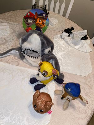 Stuffed animals and Baby shark hat stuffed animals $5 baby shark hat $10 for Sale in Fresno, CA