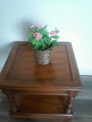 End Table 14 Inches high for Sale in St. Louis, MO