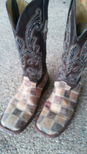 Women's western boots for Sale in Alvarado, TX