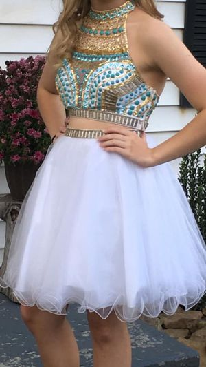 For sale...$100.00 OBO...Size 4 for Sale in Saint Marys, WV