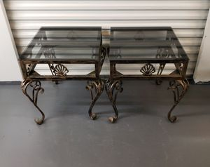 I have two ends table whit dark glass / dos mesas de metal con vidrio oscuro for Sale in Azalea Park, FL