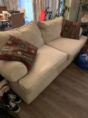 3 sofa gratis free for Sale in Silver Spring, MD