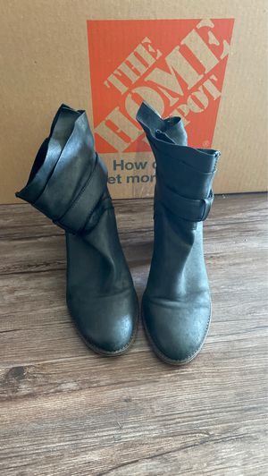 Steve Madden booties size 8.5 for Sale in Los Angeles, CA