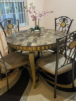 Dining Table Set for Sale in Clearwater,  FL