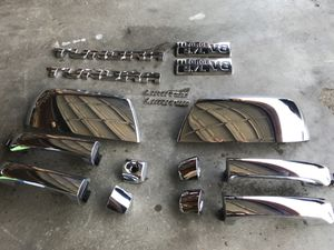2014 to 2017 Tundra Chrome doors handles,mirrors covers and emblem. for Sale in St. Louis, MO