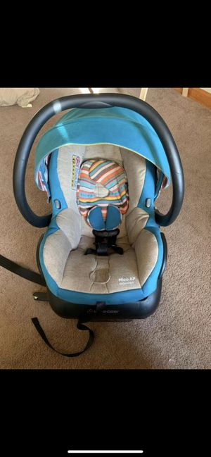 Maxi cosi bohemian blue infant car seat for Sale in Jacksonville, AL
