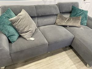 Sectional couch for Sale in Alpine, NJ